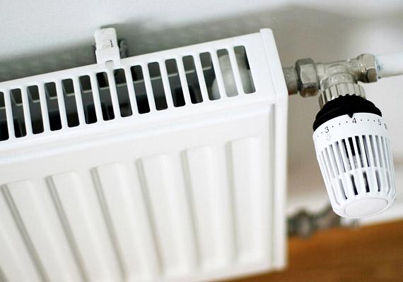 A fűtési szezonban a lakás páratartalma könnyen csökken, ami a nyálkahártyák kiszáradásához, az éjszakai pihenés minőségének romlásához vezet. Éppen ezért fontos, hogy rendszeresen párologtass. Tudd meg, mennyi az ideális hőmérséklet és páratartalom alváshoz!