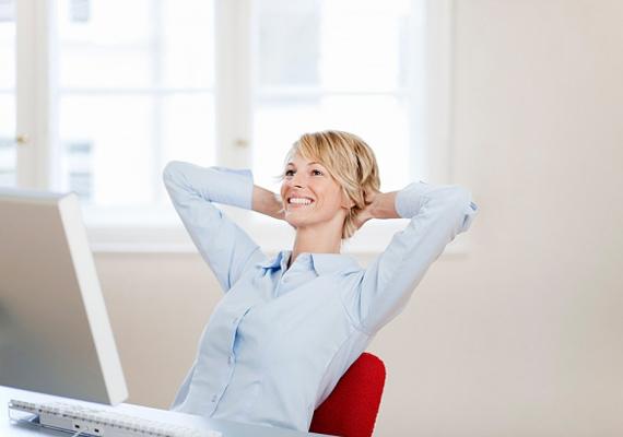 A nyújtózás felpezsdíti a vérkeringésedet, és egyúttal a feszült izmokon is segít.