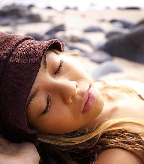 Rendszer A rendszertelen életritmus megzavarhatja a belső órádat. Igyekezz mindennap körülbelül ugyanabban az órában lefeküdni és felkelni. Az is fontos, hogy kellőképpen kipihend magad, a jó alvás ugyanis segít a stresszoldásban.