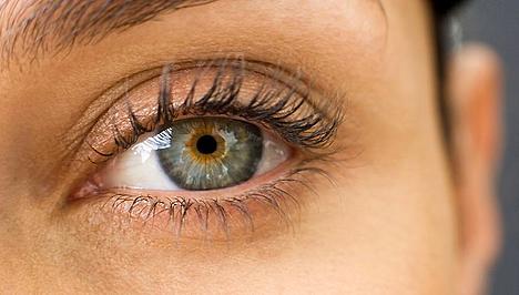 sötét folt látása