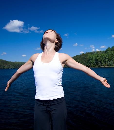 Jóga                         Ha nem csak a testi egészségedet, hanem lelki egyensúlyodat is szeretnéd megőrizni, a legjobb választás a jóga. A meditációs gyakorlatok segítenek elengedni a stresszt és oldják a szorongást.                         Kapcsolódó cikk:                         Székrekedés és hátfájás ellen: 7 pofonegyszerű jógapóz »
