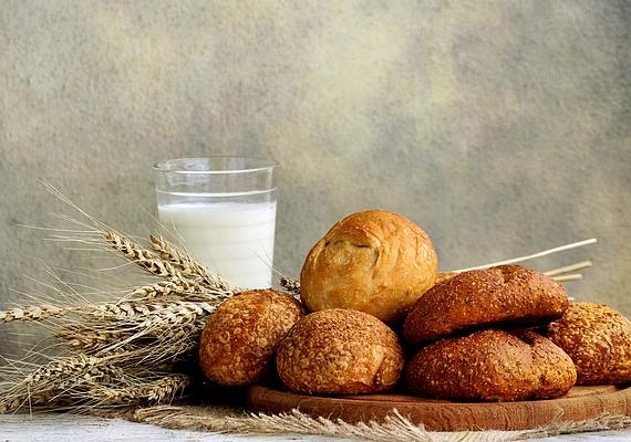 A teljes kiőrlésű péksütemények megszabadítanak a salakanyagoktól, tejjel fogyasztva pedig kiegyensúlyozott reggeli lehet belőlük.