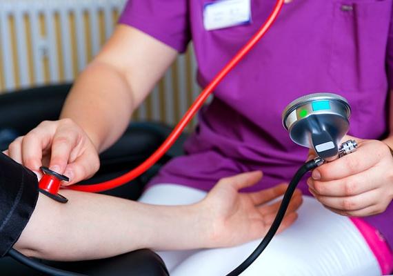 Gyakran tapasztalsz vérnyomás-ingadozást, szédülést, rövid ideig tartó heves szívdobogást? Ezek mind a kalciumhiány tünetei közé tartoznak.