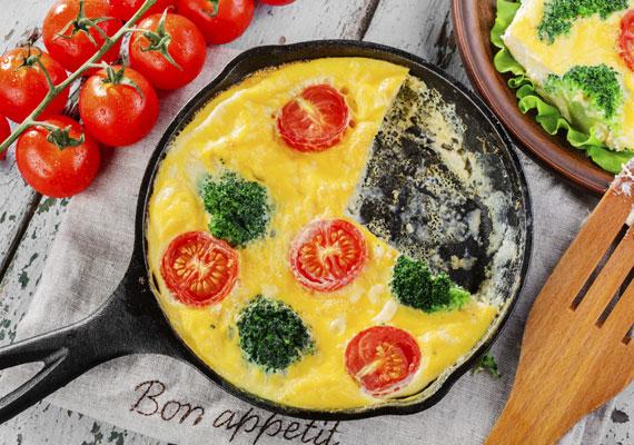 Finom és tápláló reggeli étel a brokkolis omlett. Mind a tojás, mind a brokkoli jót tesz bőrödnek, tele vannak értékes tápanyaggal, ami a nap kezdetén elengedhetetlen.