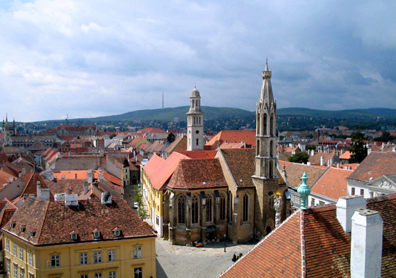 Talán meglepő, de a hűség városának levegőjét is szennyezettnek minősítik az OMSZ szakemberei. Sopronban elsősorban az ülepedő por okoz légúti panaszokat.
