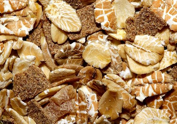 A teljes kiőrlésű kenyér és más gabonakészítmények - cereáliák - magas rosttartalmuknál fogva nehezíthetik a vas beépülését a szervezetbe.
