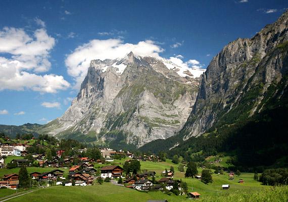 A svájci egészségügyi rendszer nagy hangsúlyt helyez a megelőzésre. Ennek és a kristálytiszta levegőnek köszönhetően az apró, alpesi ország lakóinak várható élettartama 80 év felett van.