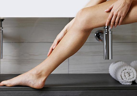 A B6-vitaminból a napi 10 milligramm/kilogramm túllépése okozhat olyan tüneteket, mint a láb érzékelésének csökkenése, koordinációs zavar vagy bizsergés a nyaknál. Egy felnőttnek naponta 2 milligramm elég.