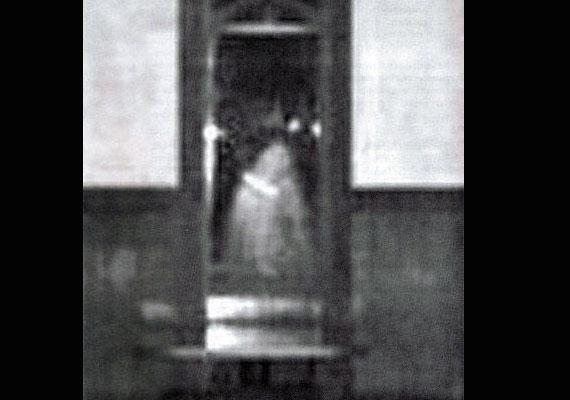 A utahi Godfather's Pizza étterem személyzete több paranormális jelenségről is beszámolt 1999-2000-ben. Ez volt az egyik.