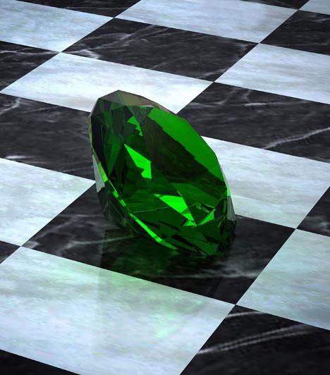Smaragd  A smaragd kiűzi a haragot és más negatív érzéseket, segít megerősíteni a szeretetet a hosszú távú kapcsolatban. A fejlődés köve, mely arra bátorít, hogy ne csak álmodozz, hanem a gyakorlati dolgokat is megtedd.
