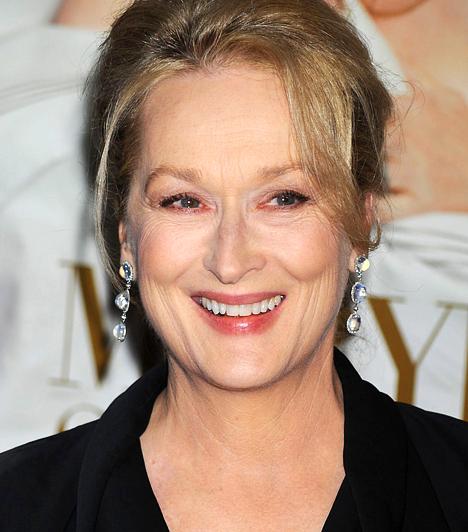 Mery Streep A többszörös Oscar-díjas színésznő New Jerseyben nevelkedett, majd a Yale egyetem drámaszakára járt. Első mozifilmszerepe az 1977-es Julia című drámában volt, ahol olyan legendás színészek társaságában mutatkozott be, mint Vanessa Redgrave vagy Jane Fonda. 1949-ben született a Bivaly jegyében.Kapcsolódó hír:Meryl Streep 60 évesen is lenyűgözően fest »