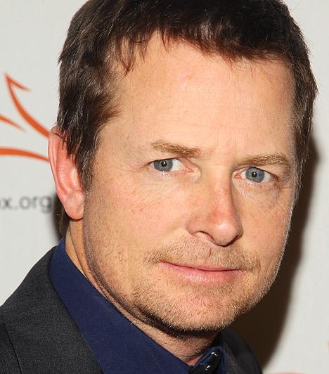 Michael J. Fox 1961-ben született Kanadában. Első szerepét 17 évesen kapta a Leó és én című sorozatban, következő komolyabb szerepe pediga Családi kötelékek című sorozatban volt - mely meghozta számára az ismertséget. Kapcsolódó hír: Így néz ki most a súlyos beteg Michael J. Fox »