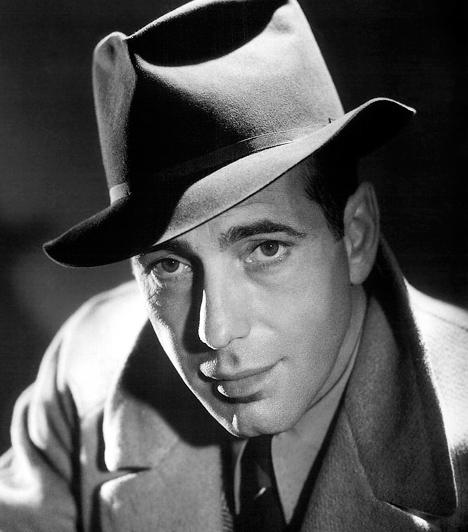 Humphrey Bogart A Casablanca sztárjánakvédjegyévé vált nyers, cinikus és szűkszavú stílusa. Tehetsége Hollywood aranykorának legnépszerűbb férfiszínészévé tette. Az Empire magazin 1997-ben minden idők száz legnagyobb filmsztárja között a kilencedik helyre sorolta. 1899-ben született és 1957-ben hunyt el. Kapcsolódó cikk: 4 halhatatlan utolsó mondat »