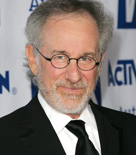 Steven Spielberg A világhírű rendező a The Last Gun című első kisjátékfilmjét 13 évesen készítette a szüleitől kapott Super 8-as kamerával. Azóta is szenvedélye a forgatás: pályája során olyan zseniális filmeket rendezett, mint az E. T. – a földönkívüli, a Jurassic Park vagy a Schindler listája. 1946-ban született a Disznó jegyében.