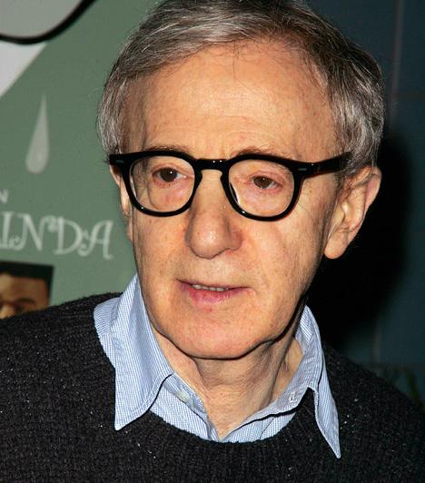 Woody Allen A hatvanas évek elején stand-up komikusként tett szert népszerűségre. Filmes karrierjében az igazi áttörést az 1977-es Annie Hall hozta meg számára, amelynek rendezéséért és forgatókönyvéért is Oscar-díjat kapott. 1935-ban született a Disznó jegyében. Kapcsolódó hír: Ilyen volt, ilyen lett: Woody Allen »