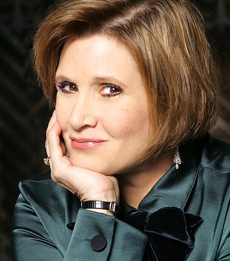 Carrie Fisher 1956-ban született a Majom jegyében. Kisebb kitérők után 1977-ben, mindössze 21 évesen került be a kirobbanó sikerű Star Wars-trilógiába, ahol Harrison Ford és Mark Hamill mellett az egyetlen női főszerepet játszhatta el a távoli múltban játszódó tudományos-fantasztikus történetben.  Kapcsolódó hír: Így néz ki most Leia hercegnő a Star Wars-ból »