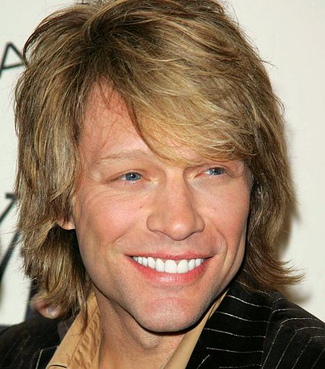 Jon Bon Jovi A sztár 1962-es születésű. A világhírű énekes példás családapa: egykori középiskolai szerelmével - Dorothea Rose Hurleyvel - közösen nevelik négy gyermeküket.