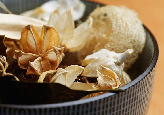 A szárazvirágok még potpourri formájában is az életed stagnálásához vezethetnek, és előidézhetik, hogy beleragadj egy kellemetlen helyzetbe.