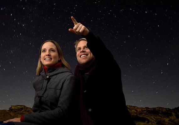 Akkor is érdemes az eget kémlelned, ha épp nincs szezonja a hullócsillagoknak. Ha észreveszel egyet, valóra válik a kívánságod.