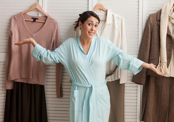 A babona szerint, ha fordítva veszed fel a ruhát, szerencséd lesz, de csak akkor, ha nem fordítod vissza.