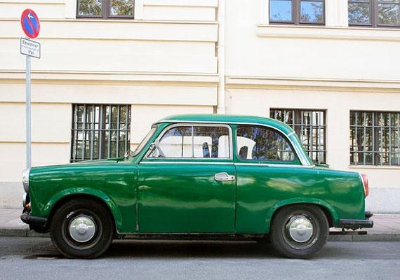 Egyre kevesebb a zöld Trabant, és egyre nagyobb mázli meglátni egyet.
