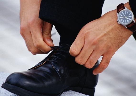A jobb lábadra vedd fel először a cipőt, ha nem akarsz balszerencsés lenni.