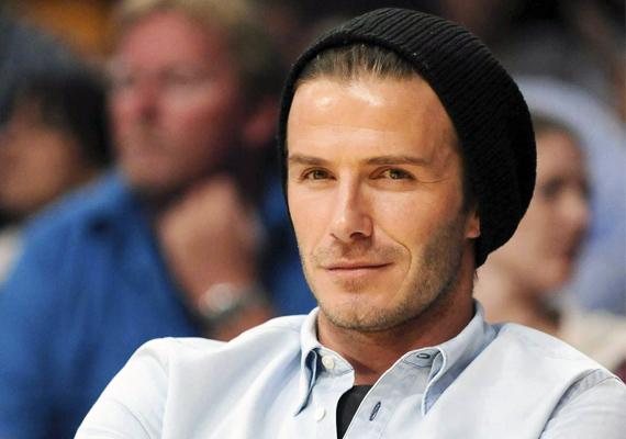 David BeckhamMásik tipikus Bika híresség az exfutballista, aki világéletében a nők kedvence volt, ám amióta Victoriával gyermekeik születtek, a család az első számára. Gondolj csak a lányával, Harperrel készült elbűvölő fotóira! Ha valakin, hát Beckhamen abszolút érződik a Bika jegy szülötteit jellemző családcentrikusság.