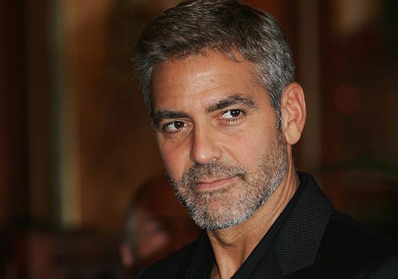 George ClooneyAz akaratosságból pedig vissza lehet venni, erre bizonyíték a szintén Bika színész, George Clooney, aki rendre teljesíti felesége kívánságait. A sajtóban gyakorta szereplő Amal Clooney állítólag még azt is megszabja a színésznek, mit egyen vagy hová menjen, mégis boldogok. Nem hiába, a Bika jegy jellemzője az odaadó szerelem.