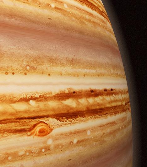 Jupiter A terjeszkedést, a szerencsét és az emelkedettséget szimbolizálja. A Jupiter fennhatósága alá tartozik a fényűzés, a jószerencse, a tékozlás és az élvezet.  Kapcsolódó cikk: Gazdag leszel vagy szegény? - Jupitered megmutatja »
