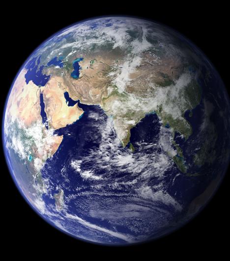Föld  A Földet se hagyjuk ki, hiszen a horoszkópot hozzá képes mérjük. A világűrből csodálatos, kék üveggolyónak tűnik.
