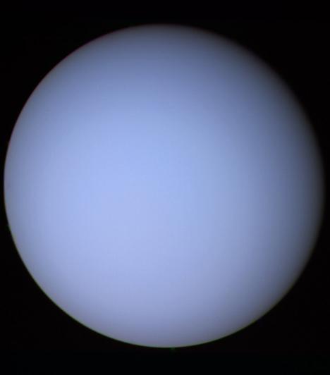 Uránusz  Az ég istenéről kapta a nevét, a Naprendszer hetedik bolygója. Óriásbolygó, a harmadik legnagyobb átmérőjű és a negyedik legnagyobb tömegű. Felfedezését 1781-re teszik, amikor Sir William Herschel csillagász rájött, hogy új bolygó került a látókörébe.