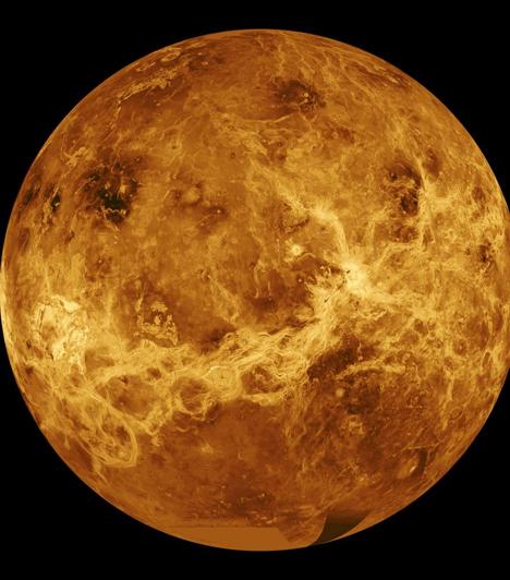 Vénusz  A Bika és a Mérleg uralkodó bolygóját a szerelem és az anyagi javak istennőjéről nevezték el, a második bolygó a Naptól. Keringési ideje 224,7 földi nap, a Hold után a legfényesebb égitest az éjszakai égbolton, ezért segít a tájékozódásban. Esthajnalcsillagnak is nevezik.  Kapcsolódó cikk: Vénuszhoroszkóp: Így csábíthatod el a legkönnyebben a pasit »