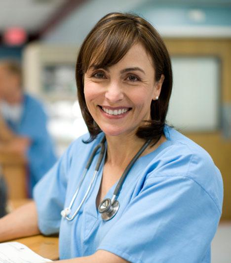 2-es  2-esként a segítő foglalkozások illenek hozzád, ahol másokról gondoskodhatsz. Ilyen a nővér, az ápoló, de a háztartási alkalmazott és a szociális munkás is.  Kapcsolódó cikk: Melyek a visszatérő számok az életedben? »
