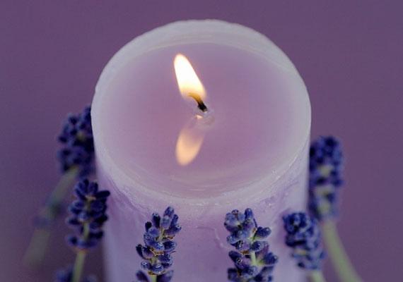 A lila fejleszti a spiritualitást, miközben megerősíti a mágikus erődet.