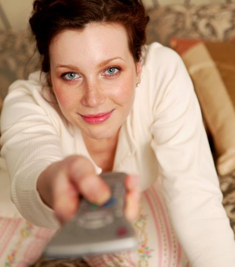 ÁramtalanulHa lehet, száműzd az alvóteredből az elektronikus eszközöket, elsősorban a TV-t és a számítógépet, mert nemcsak a szervezeted, de a szerelmi életed egyensúlyát is megzavarhatják.Kapcsolódó cikk:Szerelemgyilkos tárgyakat tartasz otthon? Ezektől válj meg mielőbb »
