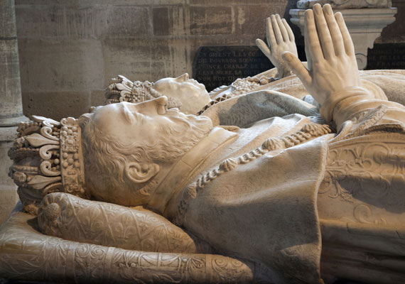 Nostradamus egyik leghíresebb jóslatában II. Henrik francia király 1559-es halálát jósolta meg.