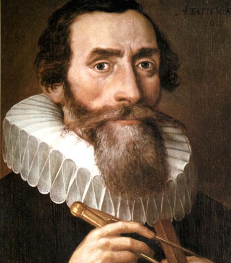 Johannes Kepler  Johannes Kepler (1571 – 1630) a korszakalkotó német matematikus és csillagász asztrológiával, a bolygómozgások törvényszerűségeivel is foglalkozott. A 17. századi tudományos forradalom kulcsfigurája volt. Leghíresebb könyvei közé tartozik az Új csillagászat, Kivonat a kopernikuszi csillagászatról, Világok harmóniája és A Kozmosz szent titkai.