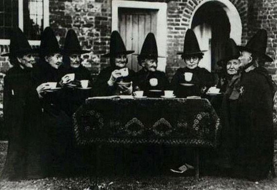 A boszorkányságot különféle alkategóriákra osztották: azon belül létezett az ördöngösség, a méregkeverés, az igézés, a jövendölés és a rontás típusa.