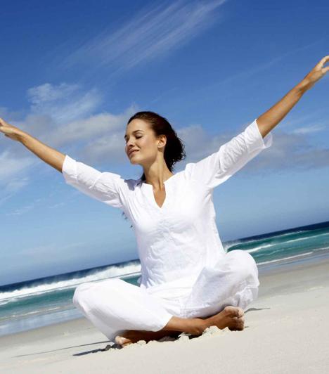 JógaA jógagyakorlatok a testi erőfeszítésen és az energiaáramlás kiegyensúlyozásán keresztül járulnak hozzá az életszemlélet megváltozásához.Kapcsolódó cikk:Ki leszel következő életedben? »