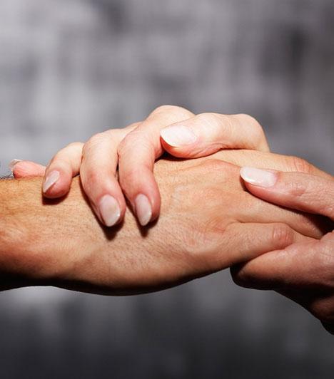 EgyüttérzésAz együttérzésre törekvés a buddhizmus egyik alapvető tanítása. Ez segít leggyőzni az önzőséget és a túlzottan egocentrikus szemléletet, mely negatív karmát eredményez.Kapcsolódó cikk:Így változtasd meg a rossz karmát! »