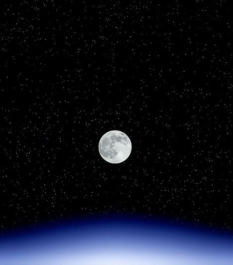 Telihold  Ha a Telihold fényénél végzel szerelmi varázslatot, kívánságod ereje megsokszorozódik.  Kapcsolódó cikk: Így befolyásolja Holdad a szerelmi életedet »