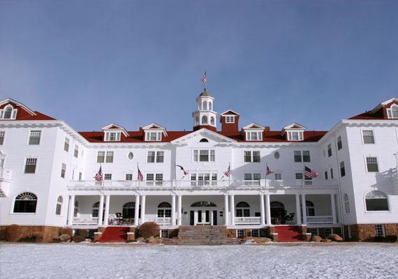 A coloradói Stanley hotel neve Stephen King Ragyogás című horrorregényéből lehet ismerős. Az itt dolgozók elmondása szerint gyakran hallani gyerekzsivalyt és zongorajátékot olyan szobákban, ahol valójában nincs is senki.
