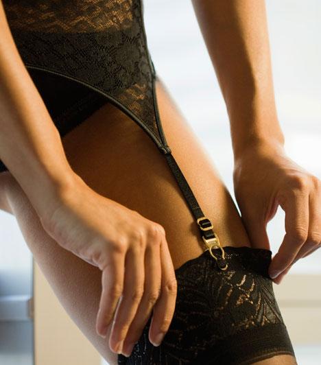 Nyilas  Nyilasként a combod az egyik legerotikusabb testrészed. Valószínűleg bátran viselsz miniszoknyát is, de aztán ne csodálkozz, ha csak úgy zsonganak körülötted a kíváncsi tekintetű férfiak.