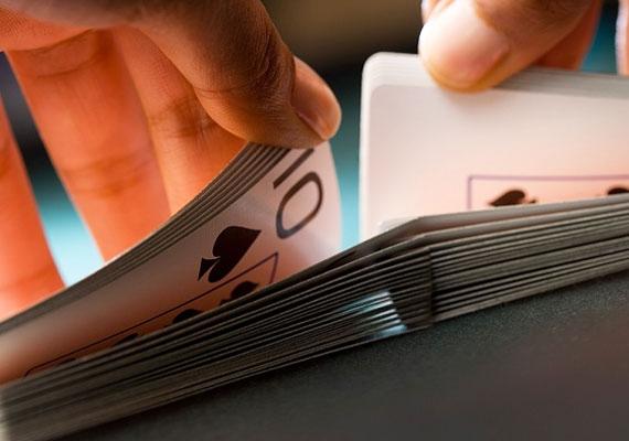 A francia kártyát is segítségül hívhatod, ha kíváncsi vagy a szerelmi kilátásaidra. Hogy miként kell kiszámolni a lapok segítségével a jövőt, itt olvashatod el.