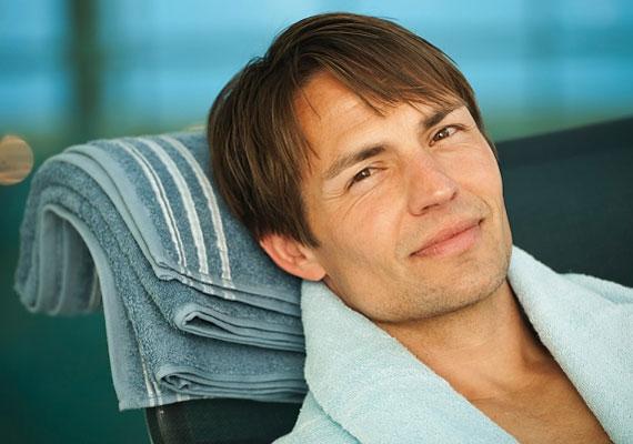 Ha a férfi orra rövidebb, és nagyobb a száj és az orr közötti távolság, nagy hévvel dönt le a lábadról, ám lelkesedése hamar alábbhagy.