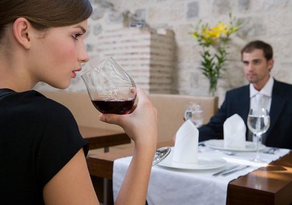 A Bak férfi a hagyományok és a tradicionális szerepek híve. Hagyd, hogy meghívjon vacsorázni, ő fizessen, és azt érezhesse, hogy ő az irányító.