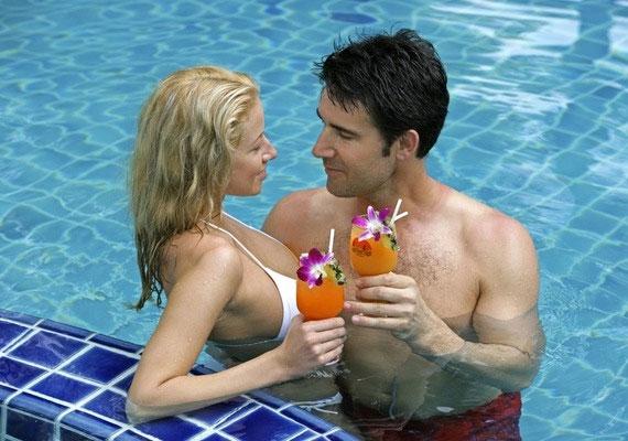 A Szűz férfit egy közös fürdőzés vagy úszás alkalmával csábíthatod el.