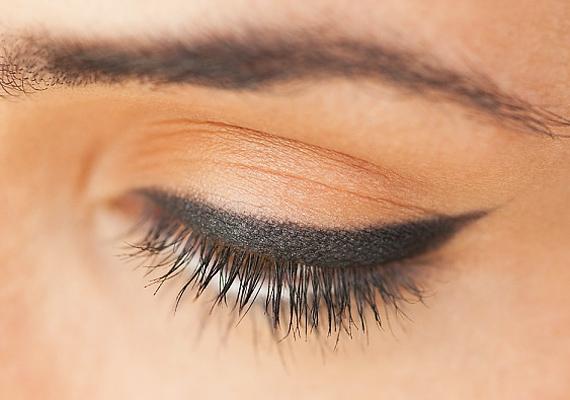 Nyilasként ne felejtsd el hangsúlyozni a szemed, amihez egy szemceruza vagy egy szemhéjtus is elég lehet.