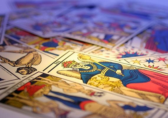 A Tarot kártya szintén jó tanácsadó. Itt találsz néhány kirakást.