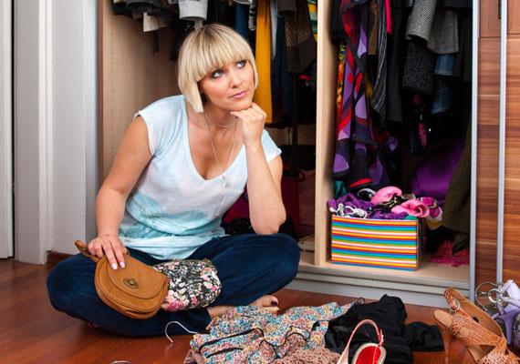 Évente legalább kétszer nézd át a szekrényed, és mosd ki a ruhákat.